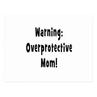 negro sobreprotector amonestador de la mamá postal