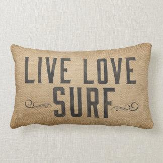 Negro vivo de la resaca del amor de la playa del cojín lumbar