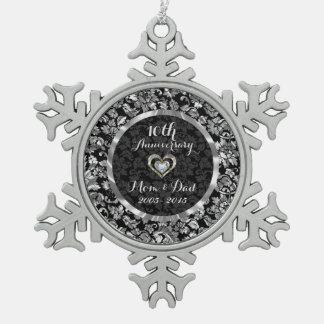 Negro y 10mo aniversario de boda de la plata adorno de peltre en forma de copo de nieve