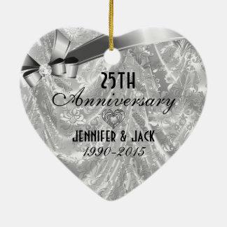 Negro y 25to ornamento 3 del aniversario de boda adorno navideño de cerámica en forma de corazón