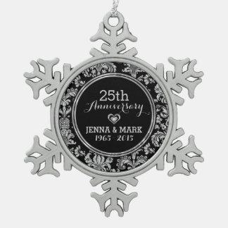 Negro y 25to ornamento 5 del aniversario de boda adorno de peltre en forma de copo de nieve