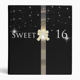 Negro y álbum de foto del dulce dieciséis del oro