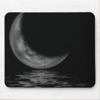 Negro y blanco crecientes de la luna de la reflexi alfombrillas de ratón