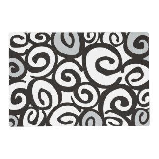 Negro y blanco del modelo de los espirales + sus tapete individual