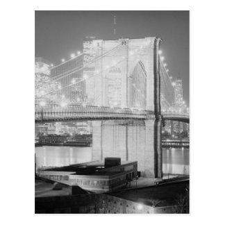 Negro y blanco del puente de Brooklyn Postales