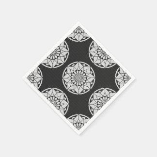 Negro y blanco que hacen punto de la mandala de la servilletas de papel