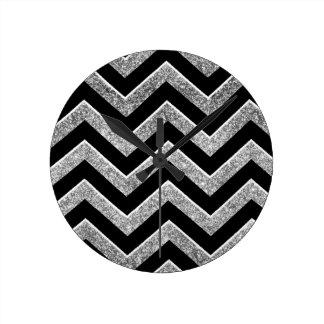 Negro y galón reluciente de la plata reloj de pared