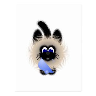 Negro y gato de Brown que sostiene un ratón azul c Tarjetas Postales
