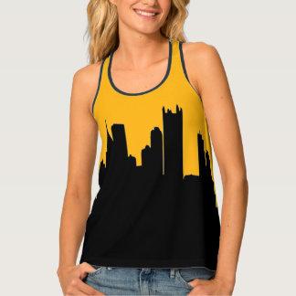 Negro y horizonte de la ciudad de Pittsburgh del