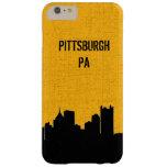 Negro y horizonte de la ciudad de Pittsburgh del Funda Para iPhone 6 Plus Barely There
