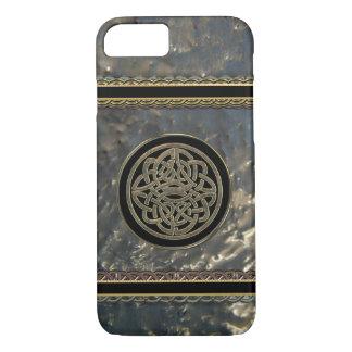 Negro y nudo céltico del metal del oro en el caso funda iPhone 7