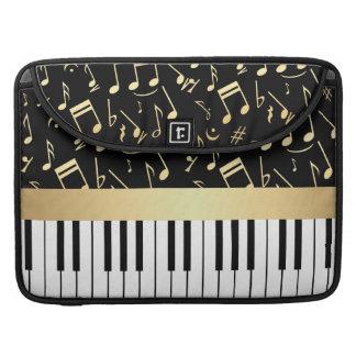 Negro y oro de las notas musicales y de las llaves fundas para macbooks