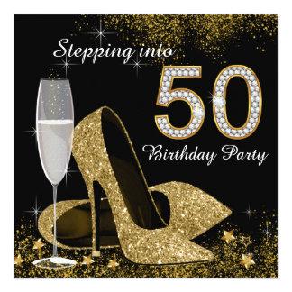 """Negro y oro que caminan en fiesta de cumpleaños 50 invitación 5.25"""" x 5.25"""""""