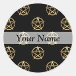 Negro y pentagram del oro pegatina redonda