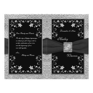Negro y programa floral del boda del estaño tarjetón