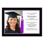 Negro y púrpura de la invitación de la graduación