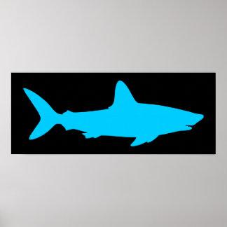 Negro y tiburón de la aguamarina posters
