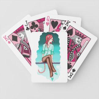 Neko entre los naipes de las nubes barajas de cartas