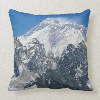 Nepal, Himalayas, view of Mt Everest from Gokyo Throw Pillows