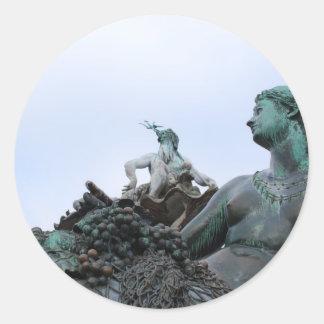 Neptunbrunnen - fuente de Neptuno - Berlín Pegatina Redonda