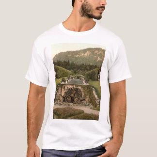 Neptune Fountain, Linderhof Castle, Germany T-Shirt