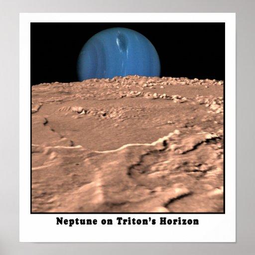 Neptuno en el horizonte de Tritón Posters