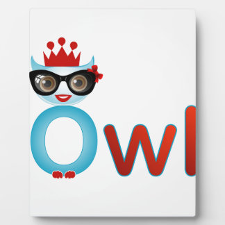 Nerd owl wearing a crown plaque