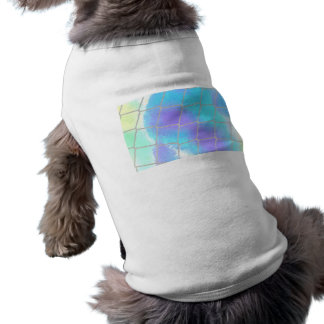 Net background with light blue dog tee