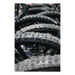 Neumáticos de la bici de montaña impresiones fotográficas