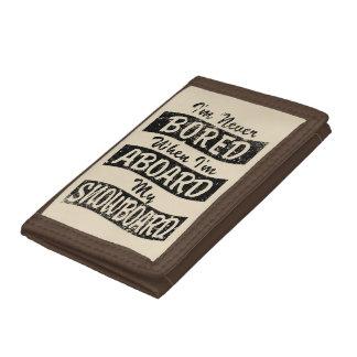 Never BOARD ABOARD my SNOWBOARD (Blk) Tri-fold Wallet