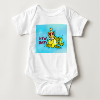 New Baby lucky goldfish wearing crown T-SHIRT