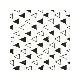 New designers canvas : Black white triangles