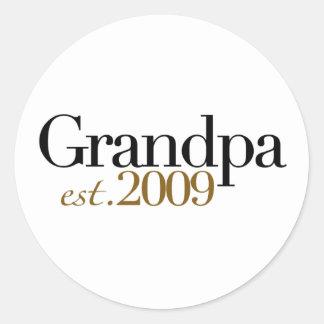 New Grandpa Est 2009 Classic Round Sticker