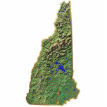 """New Hampshire Map Keychain Cut Out<br><div class=""""desc"""">This key-chain,  shaped like the state of New Hampshire,  displays a relief map of the state surrounded by a gold effect border. An attractive token of New Hampshire memories.  Map derived from images at nationalatlas.gov.</div>"""