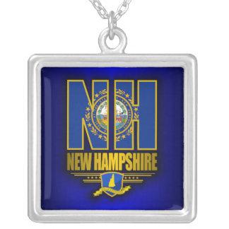 New Hampshire (NH) Collar Plateado