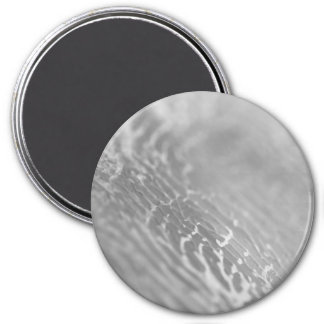 New in shop : Ladies greyscale label Magnet