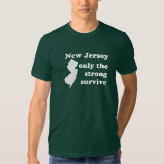 New Jersey solamente que el fuertes sobreviven Playeras