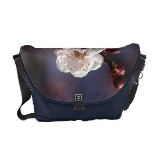 New life Spring - Medium Bag Messenger Bags