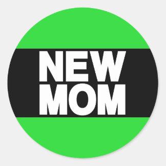 New Mom Lg Green Classic Round Sticker