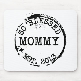 New Mommy Established With Year Mouse Pad