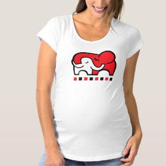New mom's / mom to be elephant hug t-shirt