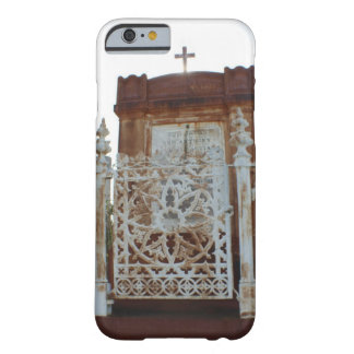 New Orleans Cemetery - Rusted Mausoleum Barely There iPhone 6 Case