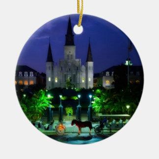 New Orleans en la noche Adorno Navideño Redondo De Cerámica