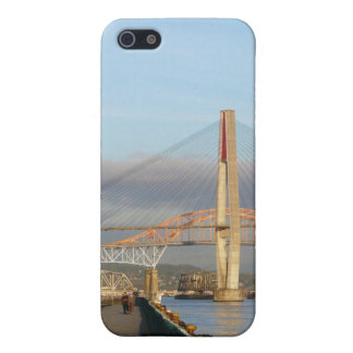 New Westminster Quay Boardwalk and Harbour iPhone SE/5/5s Case
