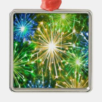 new-years-eve-fireworks-382856.jpeg adorno cuadrado plateado