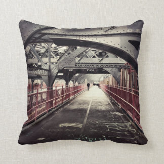 New York City Architecture - Williamsburg Bridge Throw Pillow