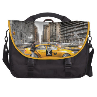 New York City cabs Central Park Laptop Messenger Bag
