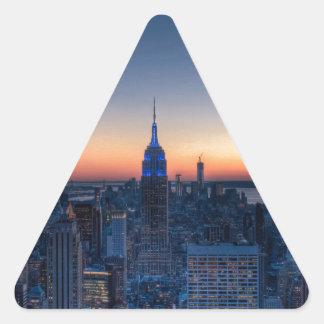 New York City del top del centro de Rockefeller Pegatina Triangular