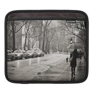 New York City - día lluvioso en Greenwich Village Funda Para iPads