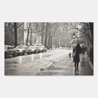 New York City - día lluvioso en Greenwich Village Pegatina Rectangular